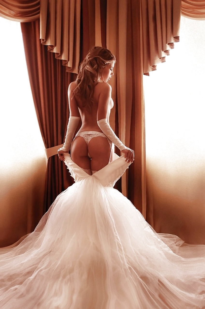 Sexy naked wedding pictures — pic 9
