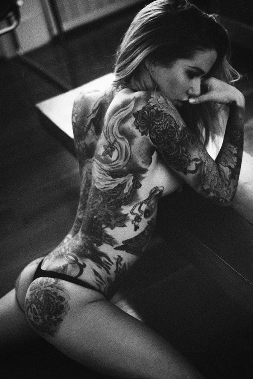 Hot Tattoos On Sexy Women