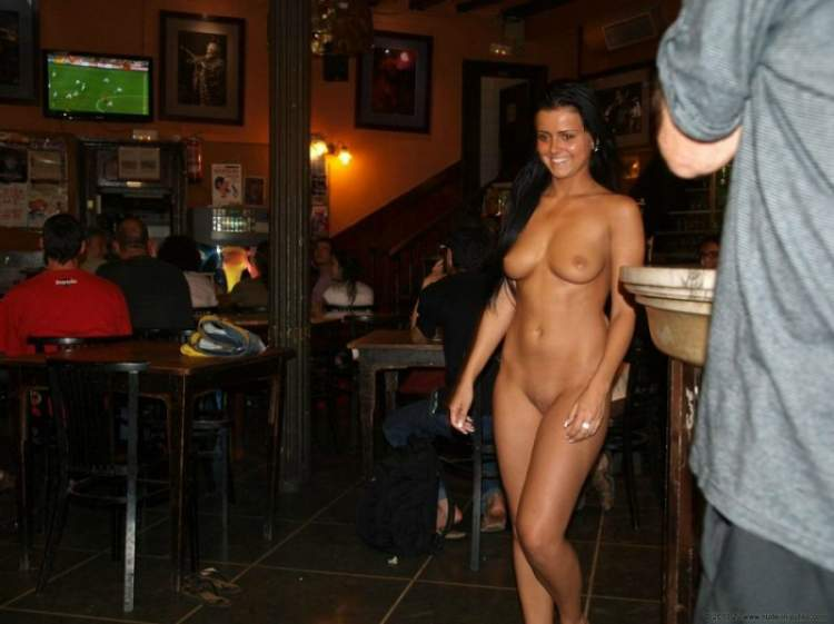 nudist-show-in-bar-and-fucking