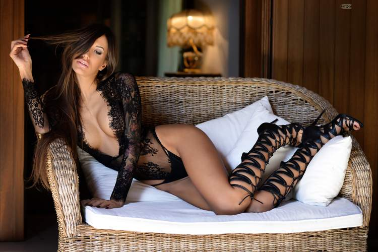 Обои women, couch, one-piece, black lingerie, high heels, portrait, cleavage, hips, Giovanni Zacche, brunette на рабочий стол