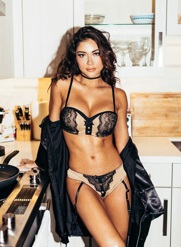 Arianny Celeste - Martin Murillo Photography - Breakfast Photoshoot