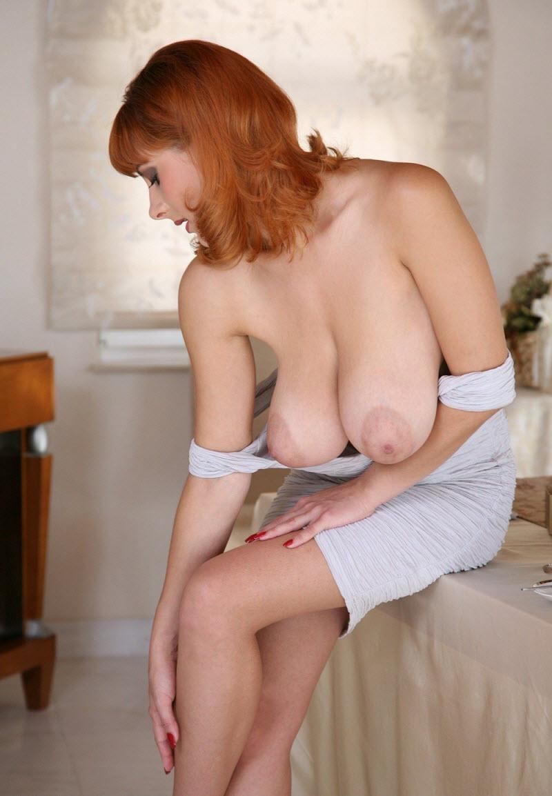 Busty german ginger milf rubs her cunt on webcam for me
