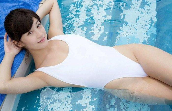 hot-wet-asian-girls