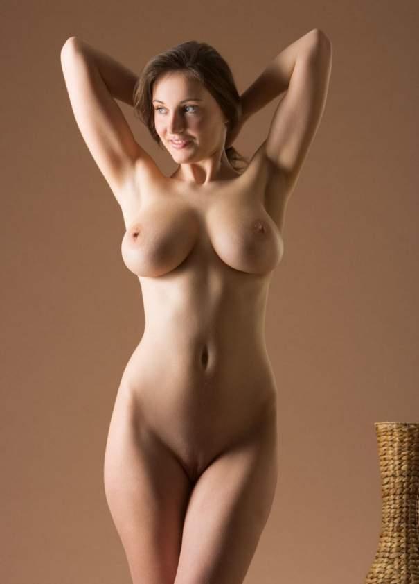 Эротическое фото девушек с формами