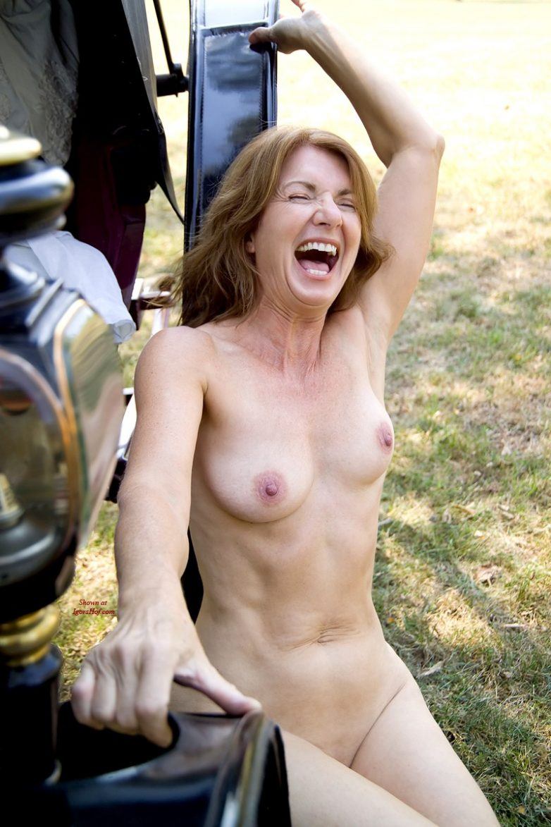 Candid nude girls caught naked embarrassed