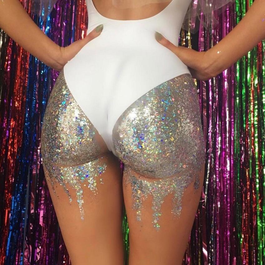 Блестящие задницы онлайн, самые длинные женские голые буфера
