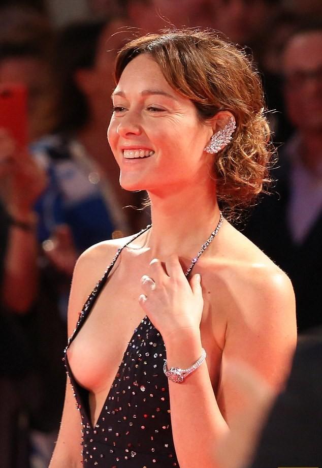 Случайные фото сисек знаменитостей, бритые женские дырки