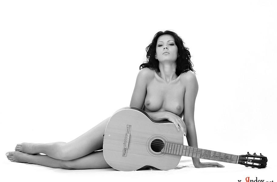 девушки с гитарой эро - 7