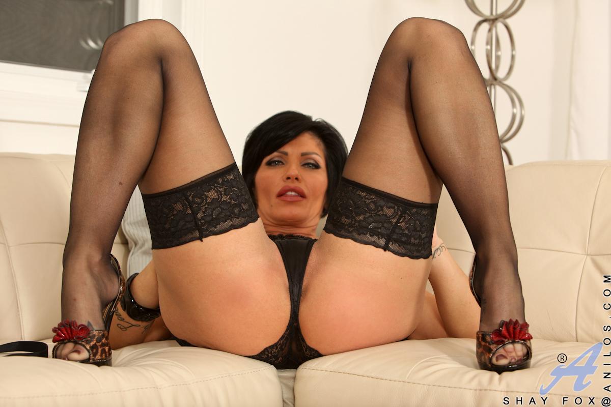 Секс зрелая брюнетка, Порно видео онлайн: БрюнеткиЗрелые 22 фотография