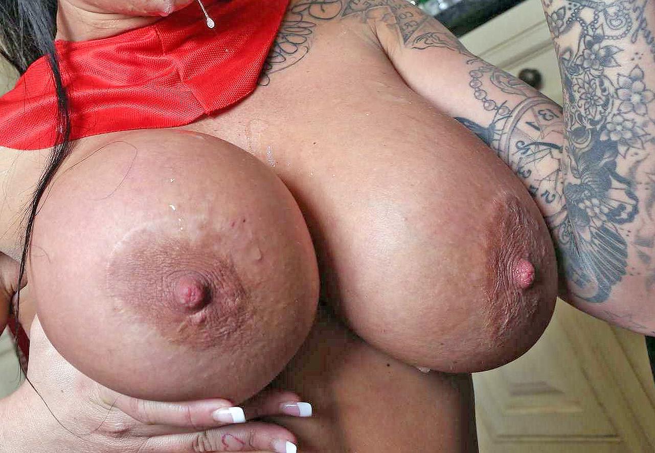 Сиськи и груди гигантские огромные — pic 14